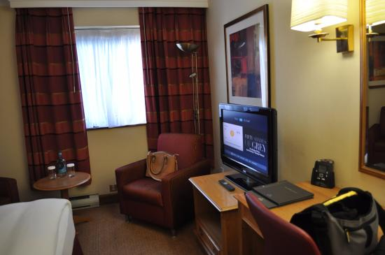Hilton Warwick / Stratford-upon-Avon: Bedroom