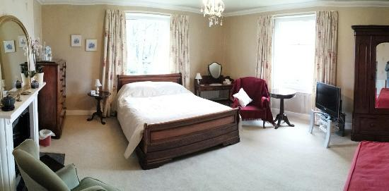 Avon View: Beautiful traditional bedroom