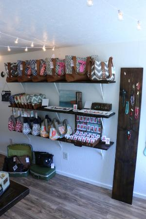Medicine Park, OK: handmade bags and jewelry