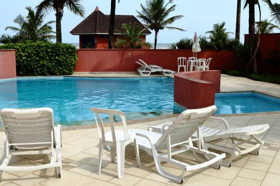 Pousada Vitoria Regia Praia : A bela piscina
