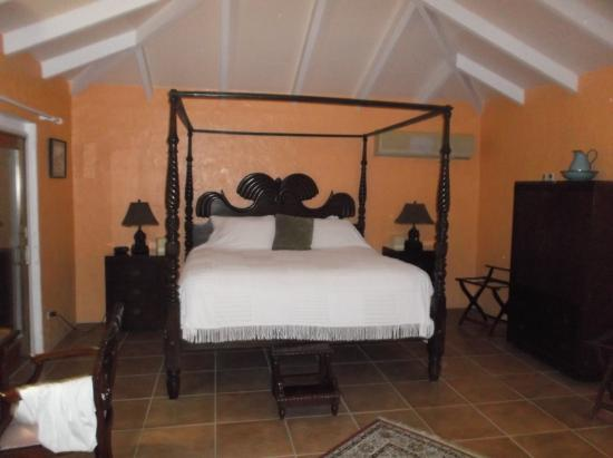 Carringtons Inn St. Croix: the flamboyant room