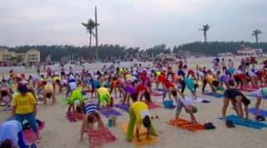 Ciudad Madero, Messico: Yoga en la Playa