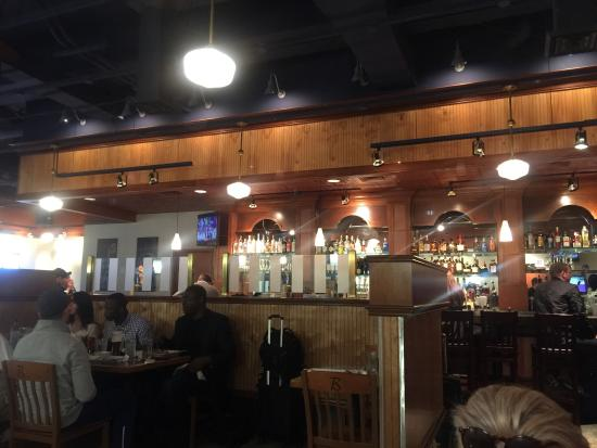 Great Bbq In The Houston Airport Review Of Harlon S Bar B