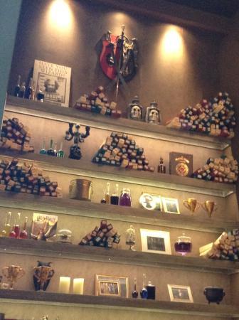 fc5f4925c10 Wall full of decorations. - Picture of Cap Cap