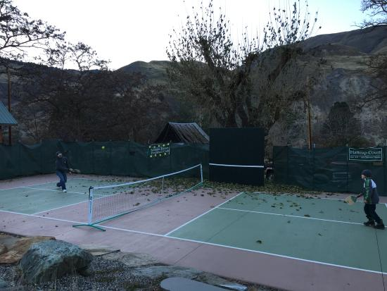 Lucile, ID: Pickleball action