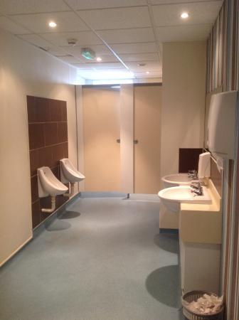 Hotel Richmond: very clean restroom