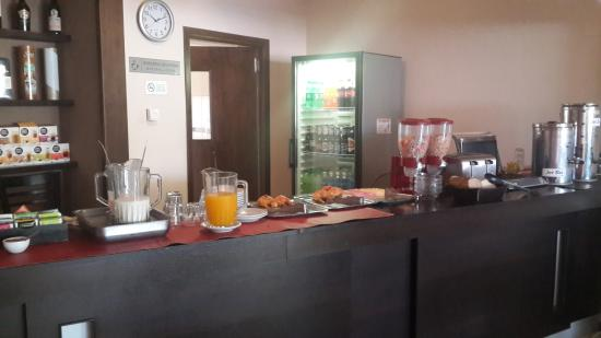 Aires de Tandil: Desayuno