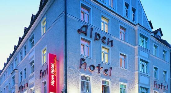Alpen Hotel München: отель