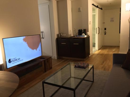 Hotel Indigo Lower East Side New York Suite Living Area
