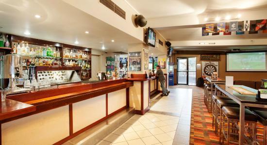 Earlville, Avustralya: Bar