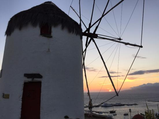 Agricultural Museum and Boni Windmill: 夕焼け