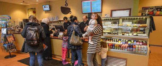 Cafe O'Play: Cafe counter
