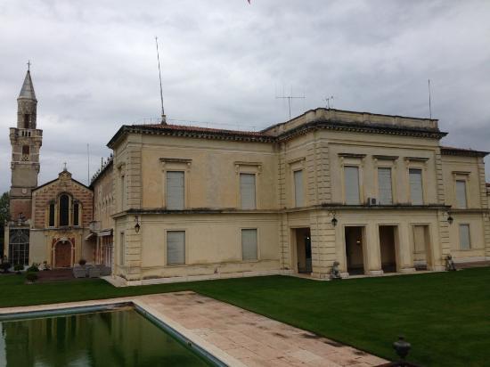 Villa d'Acquarone: Exterior
