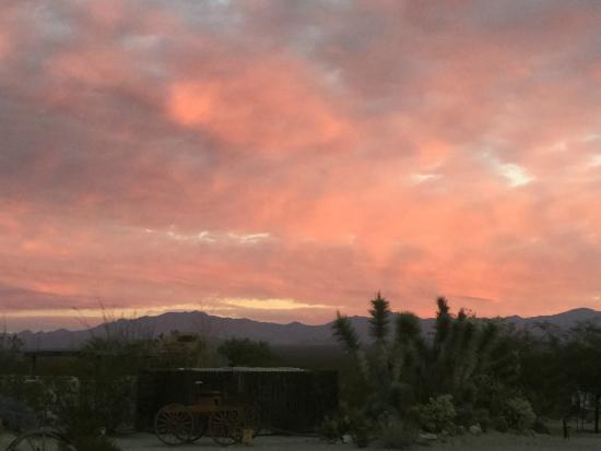 Yucca, AZ: Sunset view