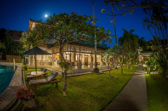 The Graha Cakra Bali Hotel: www.thecakrahotels.com