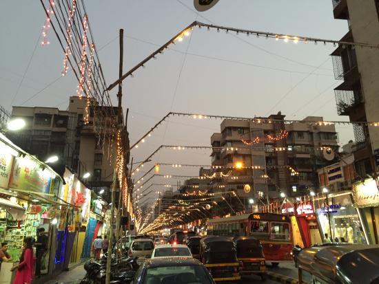 Lokhandwala Market