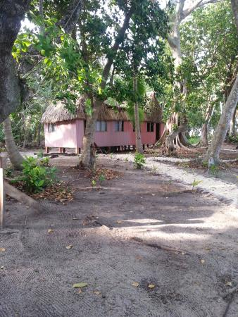 Caqalai Island, Fiji: Another New thatched Bure