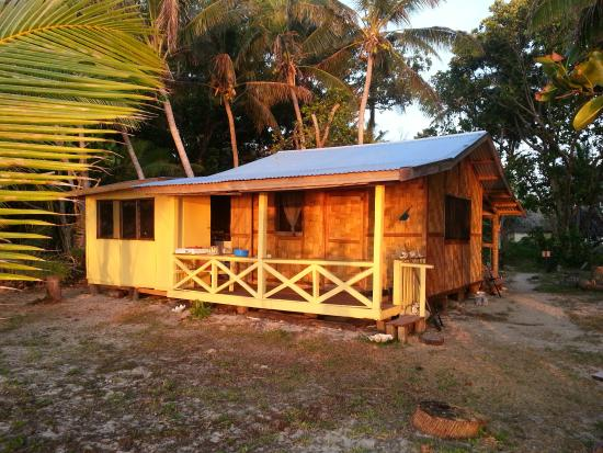 Caqalai Island, Fiji: Balcony on the Beach Bure