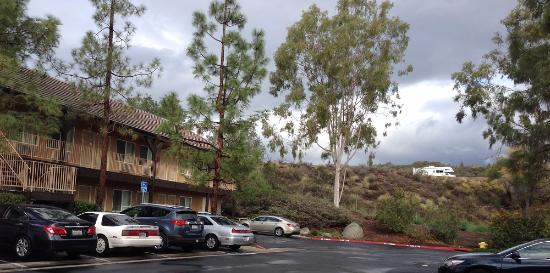 Ayres Lodge Alpine: See freeway with vehicle, expect some noise