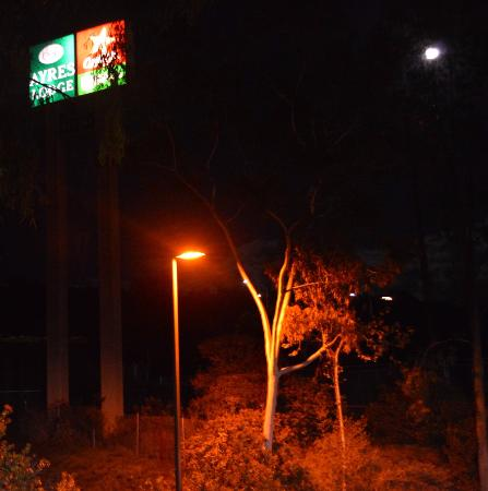 Ayres Lodge Alpine: Sign on full moon day
