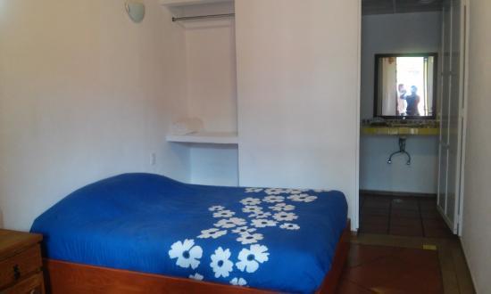 Hotel Spa Mi Pueblito: Habitacion muy sencilla