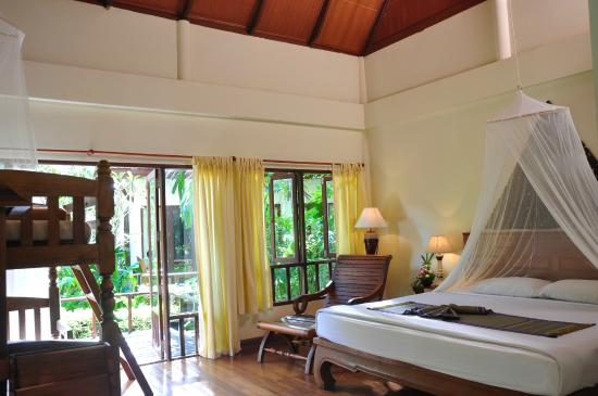 Royal Lanta Resort and Spa: Family Room