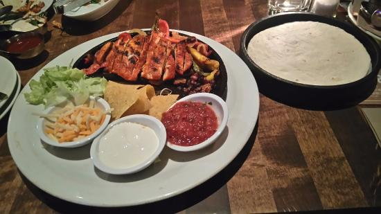Cactus Club Cafe: Cajun Chicken Fajitas