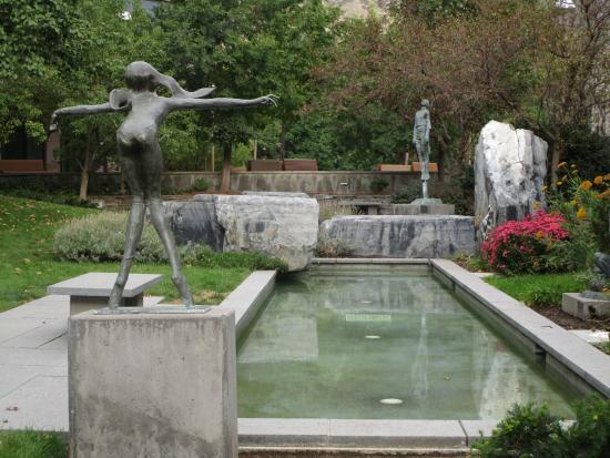 Museum of Art at Brigham Young University: Sculpture garden, view #2