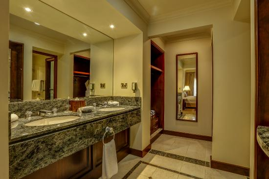 Bathroom Sinks Joondalup suite bathroom - picture of joondalup resort, connolly - tripadvisor