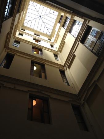 Hotel Pelayo: Palazzo interno