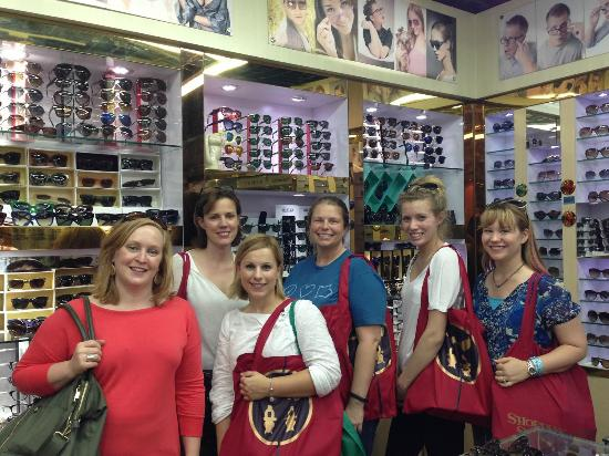 Shopping Tours Shanghai-Day Tour: Happy Shoppers!
