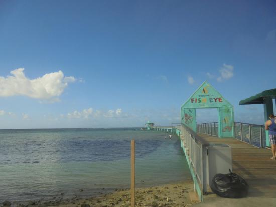 Fish Eye Marine Park: 桟橋入口