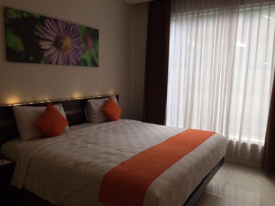 V Hotel & Residence: executive room