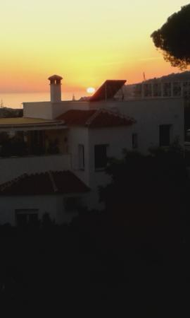 Nerja Club: Sunset from balcony