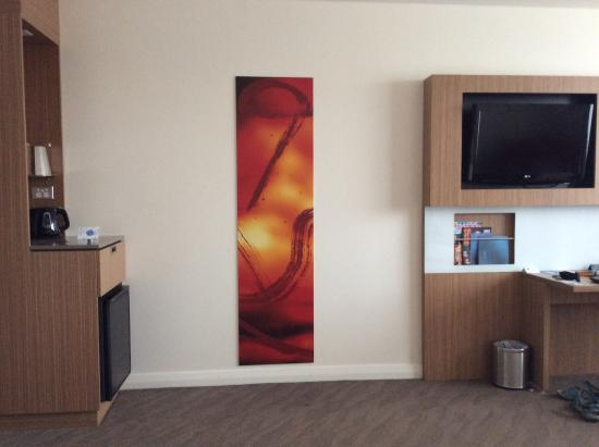 Novotel Sydney Rooty Hill: In-room art