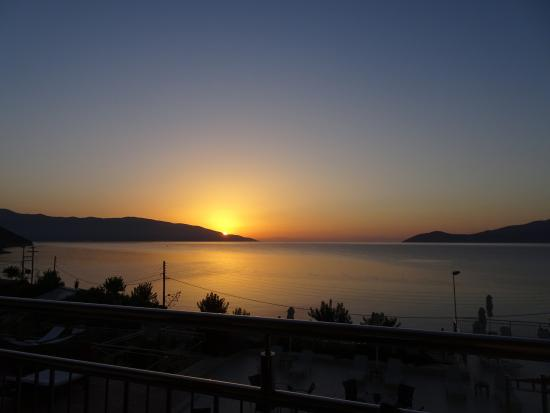 Odyssey Hotel Kefalonia: Sunrise from our room
