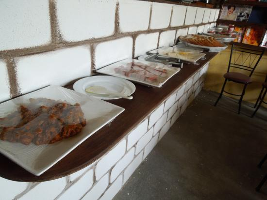 Maafushi Inn: 朝食バイキング
