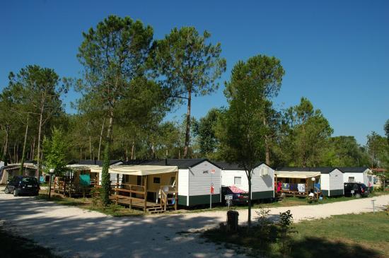 Camping Laguna Village: Maxi Caravan Mare