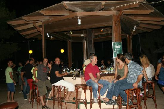 Rovies, Grekland: Beach bar
