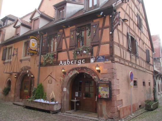 La Facade Et L Entree Du Restaurant Picture Of Auberge La Cheminee