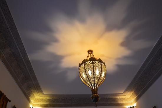 Riad Layali Fes: Plafond de la Suite