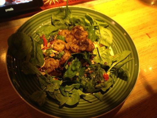 Applebee's Fairport - spinach shrimp salad