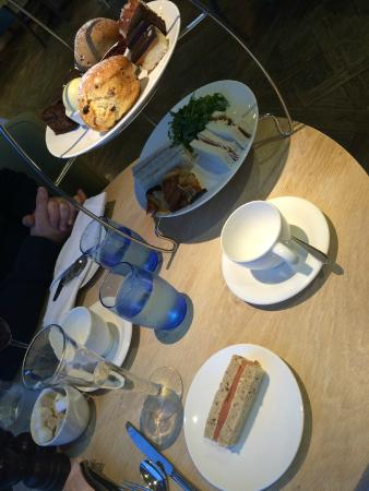 The Jetty Salcombe: Our afternoon tea - note the empty tea cup!