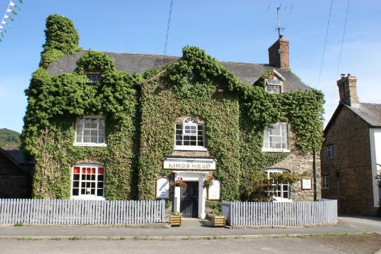 Meifod, UK: Outside of Kings Head