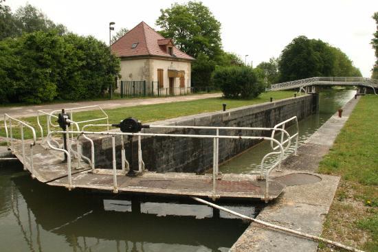 Camping du Lac de Dijon - vlakbij