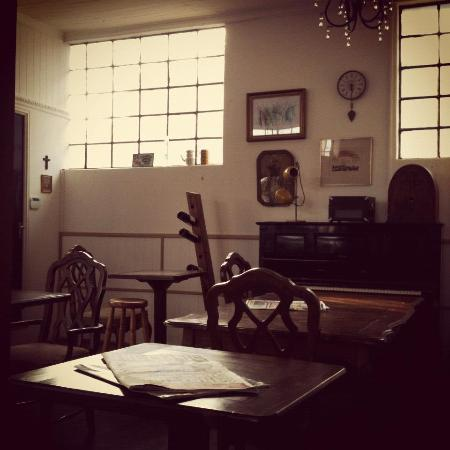 Coffee Culture Santiago Very Quiet An Old Piano Books And A Lot