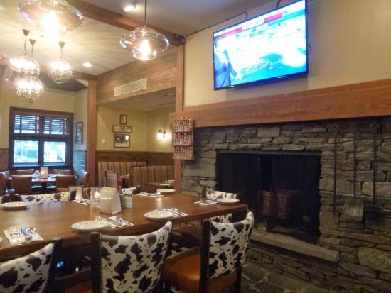 Mulligan's: Dining area