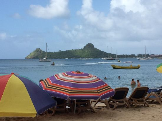 Coco Palm Resort: Rodney bay beach