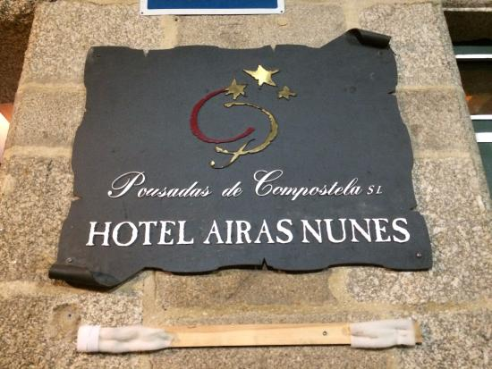 Hotel Airas Nunes: Sign on the wall
