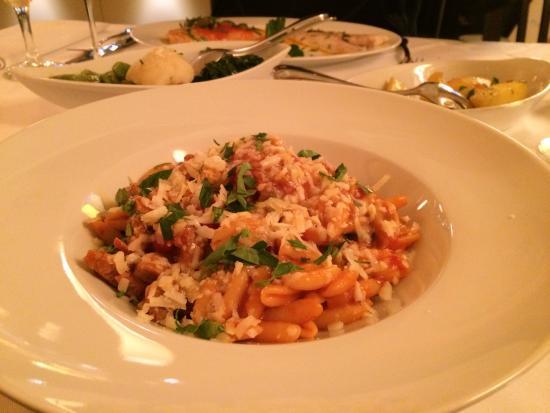 Nuragus: Nudeln mit Salsiccia